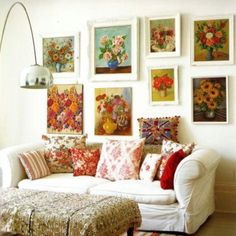 kitsch vintage granny chic living room design I love the idea of displaying a collection of rose paintings all together like this. Mystery Room, Best Decor, Vintage Flowers, Decoration, Living Spaces, Living Room, Sweet Home, Home And Garden, Interior Design
