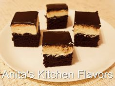 De fapt este o prajitura cu branza de vaci si blat pufos de cacao. O combinatie foarte reusita zic eu :) Blat: 6 oua zahar Ricotta, Tiramisu, Cheesecake, Ethnic Recipes, Desserts, Cakes, Sugar, Tailgate Desserts, Deserts