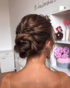 Easy and Quick Hair Tutorials! Easy and Quick Hair Tutorials! Easy and Quick Hair Tutorials! Hair Up Styles, Medium Hair Styles, Up Dos For Medium Hair, Quick Hairstyles, Bride Hairstyles, Up Hairstyles For Wedding, Updos For Thin Hair, Classic Updo Hairstyles, Mother Of The Groom Hairstyles