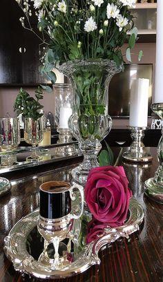 Coffee Talk, My Coffee, Coffee Table Kitchen, Small Tea, Coffee Cups And Saucers, Breakfast Tea, Table Arrangements, Beautiful Kitchens, Chocolate