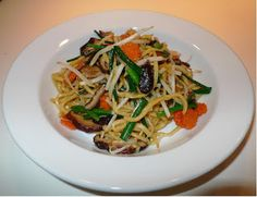 Vegetarian Stir fried yellow noodle