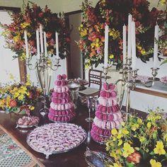 Mesa linda de ontem! @feviana desejo muitas felicidades !! #maymacarons #macarons #macaronsdecorados #casamentonafazenda #personalizado #cores #sabores #mesasdecoradas #rustico #chic