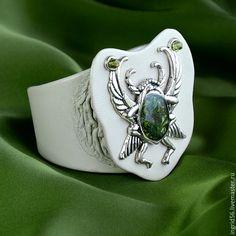 Купить Браслет из кожи Скарабей-2 зеленый в серебре - украшения ручной работы, авторские украшения