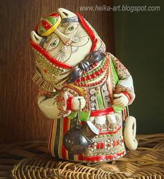 """Figurine """"Cats in the Belarusian national costume"""" fireclay white clay, glaze effector size: height - 5 cm Clay Cats, Yard Sculptures, Clay Wall Art, Pottery Handbuilding, Ceramic Workshop, Paperclay, Funky Furniture, White Clay, Ceramic Clay"""
