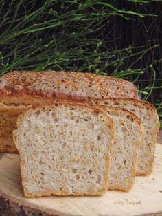 Chleb mieszany z siemieniem lnianym.
