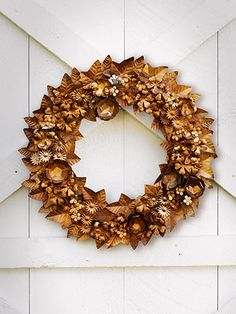 DIY Wreath Ideas - Holiday Wreath Making Ideas - Country Living