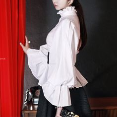 Pleats Balloon Blouse  luxury blouse dint 딘트
