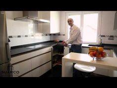 Video de cocinas integrales modernas blancas con tirador  uñero en inox - YouTube