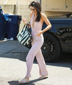 There's no question that Kendall Jenner knows how to rock a jumpsuit, and she proved that once again when she was snapped on the streets of L.A. yesterday. Love it? Shop it now.