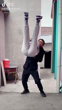 Subscribe to @master.of.martial.arts to not miss future interesting videos:) #ninja #naginata #shinobi #assasin #warrior #katana #blade #ironfist #irinleg #kungfuworld #kungfupanda #kungfulife #kungfu #wushu #kungfufashion #kungfustyle #sifu #chinamartialarts #kungfumaster #martialarts #shaolinkungfu #wushulife #wudanglife #lifestyleofawarrior #wushu #buuwushu #shaolin #shaolintemple Martial Arts Techniques, Self Defense Techniques, Martial Arts Videos, Kickboxing Workout, Gym Workout Tips, Workout Videos, Self Defense Moves, Self Defense Martial Arts, Martial Arts Workout