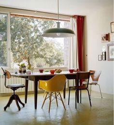 Lamp boven tafel