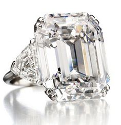 A 34.05 carat rectangular-cut diamond ring of D color, VVS1 potentially Internally Flawless clarity