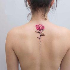 Spring on the skin: You will love these delicate flower tattoos - Frühling auf der Haut: Diese zarten Blumen-Tattoos wirst du lieben! Spring on the skin: You will love these delicate flower tattoos! Girly Tattoos, Disney Tattoos, Trendy Tattoos, Body Art Tattoos, New Tattoos, Small Tattoos, Sleeve Tattoos, Tatoos, Female Arm Tattoos
