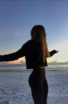 Look at that booty shared by S a r a h on We Heart It Look at that booty shared by S a r a h on We Heart It,The style I wish I had ☆ workout goals motivation workouts plan Body Inspiration, Fitness Inspiration, Skinny Inspiration, Sporty Outfits, Cute Outfits, Fall Outfits, Summer Body Goals, Mädchen In Bikinis, Body Motivation