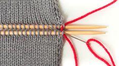 Strickteile verbinden – Teil Im Maschenstich glatt rechte Teile verbinden Learn How To Knit, How To Start Knitting, Knitting For Beginners, Free Knitting, Baby Knitting, Knitting Patterns, Knitted Blankets, Knitted Hats, Sock Yarn