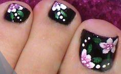 Black Toe Nails Flower Design by from Nail Art Gallery Black nail polish on toes-flower really stands out Pedicure Nail Art, Toe Nail Art, Nail Art Diy, Diy Nails, Pink Pedicure, Black Toe Nails, Cute Toe Nails, Pretty Nails, Black Nail