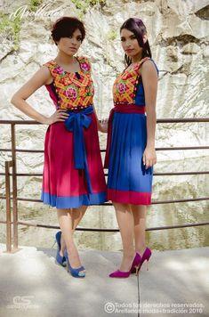 Haydee - Arellano's - Folklor a la Moda Tela: Algodón gabardina strech o toque de seda Tipo de bordado: A mano con aguja o ganchillo Región en la que se elabora: Istmo de Tehuantepec Diseño: Vestido sin mangas, falda tableada y cinta para la cintura