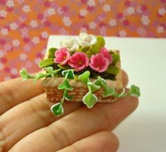 Miniature Rectangle Weave Planter with Blooming Plants for Dollhouse 12th Scale