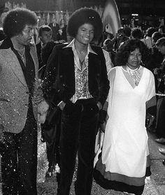 Joe, Michael, and Katherine Jackson.