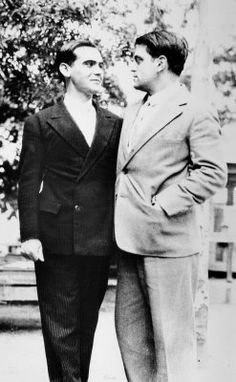 1922. Lorca assieme a Luis Buñuel, alla Residencia de Estudiantes, Madrid.