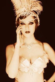burlesque dancer #beauty #makeup #style #feathers