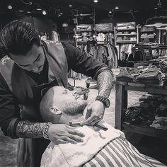 #work #w #barbershop #barberlife #barber #beard #beardgang #men #men #vintage #weekend #shave #tattoo #tat #ink #barberworld by the.italian.barber