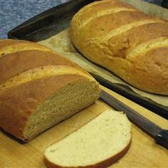 Butter Honey Wheat Bread Recipe - This is a lightly sweetened wheat bread that you can experiment with a bit. Try varying the ratio of whole wheat flour to bread flour to see what suits you best. Best Whole Wheat Bread, Honey Wheat Bread, Wheat Bread Recipe, Whole Grain Bread, Oatmeal Bread Recipe, Bread Maker Recipes, Brown Bread, Processed Sugar, Our Daily Bread