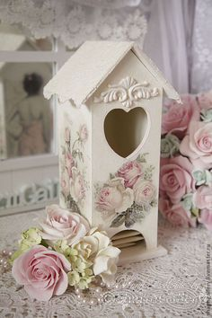3 Amazing Clever Tips: Shabby Chic Deko Machen shabby chic rustic open shelving.Shabby Chic Frames Old Shutters shabby chic rustic farmhouse. Shabby Vintage, Rosa Shabby Chic, Cottage Shabby Chic, Cocina Shabby Chic, Style Shabby Chic, Shabby Chic Crafts, Shabby Chic Living Room, Shabby Chic Kitchen, Rose Cottage