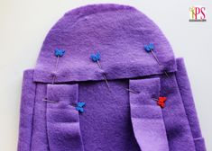 Sew a Dora the Explorer backpack with this step-by-step tutorial with free PDF pattern. Perfect for a Dora the Explorer Halloween costume! Mochila Dora, Dora Costume, Dora Cake, Backpack Pattern, Dora The Explorer, Fashion Backpack, Sewing Patterns, Halloween Costumes, Winter Hats