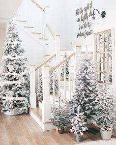 100 White Christmas Decor Ideas Which are Effortlessly Elegant & Luxurious - Hike n Dip Here are best White Christmas Decor ideas. From White Christmas Tree decor to Table top trees to Alternative trees to Christmas home decor in White & Silver