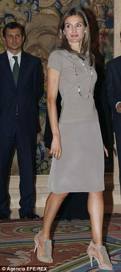 Shame that she didn't follow Letizia's choice of sexy sandals...