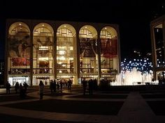 NYC Metropolitan Opera Cancels Performance Over Suspicious Powder Exposure New York City Vacation, Visit New York City, Covent Garden, Sydney Opera, Apple Picture, Places In New York, New York Pictures, Metropolitan Opera, Nyc