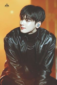 Discover recipes, home ideas, style inspiration and other ideas to try. Cha Eunwoo Astro, Lee Dong Min, Sanha, Kdrama Actors, Asian Boys, Handsome Boys, True Beauty, Boyfriend Material, Korean Singer