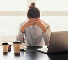 Müde Am Arbeitsplatz: Warum Wir Von Sonntag Auf Montag Schlecht Schlafen