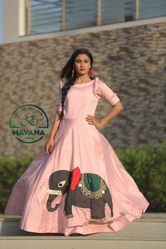 Indian Gowns Dresses, Indian Fashion Dresses, Indian Designer Outfits, Choli Designs, Lehenga Designs, Blouse Designs, Designer Party Wear Dresses, Kurti Designs Party Wear, Gown Pattern