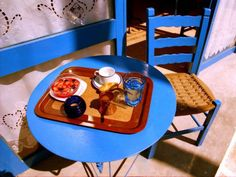 Breakfast served at a lovely cafe terrace with blue wooden chair and table. Eat Dessert First, Afternoon Snacks, Mediterranean Recipes, Greek Recipes, Poker Table, Coffee Time, Terrace, Greece, Breakfast