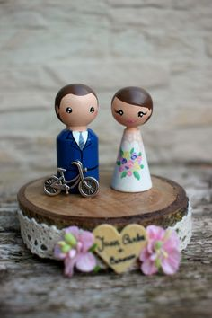 Personalized Wedding Cake Topper with accessory, Painted Wedding Cake Wood Peg Dolls, Custom Wedding Bride and Groom, Custom Cake Top by ArtwenShop on Etsy