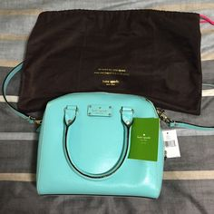 2x HP! kate spade alessa wellesley satchel Bright and cheery Kate spade purse in fresh air which is a sea green color. dust bag and care card. Slight yellow coloration in corner - as pictured. It's barely noticeable. kate spade Bags Satchels