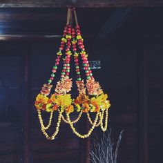 Make a Polish Pajaki chandelier from flowers, berries, and cinnamon sticks! kirstenrickert's photo on Instagram