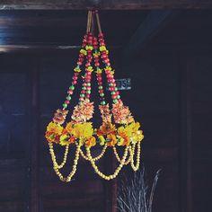 Make a Polish Pajaki chandelier from flowers, berries, and cinnamon sticks! kirstenrickert's photo on Instagram