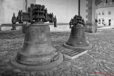 Bardejovské potulky - Zvony starého Bardejova // 19. máj 2013 // Radničné námestie - bardejovWOW.com --- a Wieš O Wšetkom ! Black White Photos, Black And White, Free Black, Public Domain, Documentaries, City, Travel, Viajes, Black N White