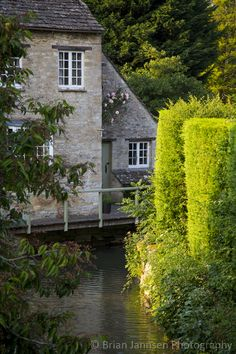River Windrush, Burford, the Cotswolds, Oxfordshire, England. © Brian Jannsen Photography