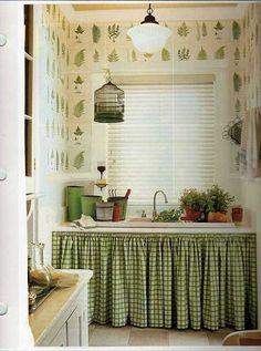 Kitchen Interior, Kitchen Decor, Kitchen Ideas, Kitchen Organisation, Green Kitchen, Modern Kitchen Design, Kitchen Curtains, Small Spaces, Sweet Home
