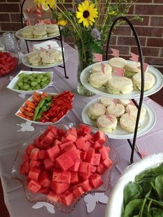 Summer Tea Time ideas Host a afternoon tea party for kids Tea Party Theme, Tea Party Birthday, Tea Party Sandwiches, Finger Sandwiches, Tea And Crumpets, Afternoon Tea Parties, High Tea, Tea Recipes, Me Time