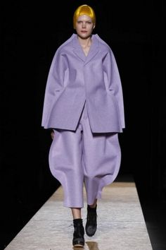 Comme des Garcons Ready To Wear Fall Winter 2012 Paris - NOWFASHION