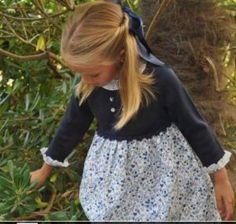 vestido-hierbabuena-de-gansetes Baby Girl Fashion, Kids Fashion, Kids Boutique, Inspiration Mode, Little Girl Hairstyles, Kids Girls, Baby Girls, Baby Dress, Crochet Baby