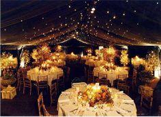 Inspiração para decoração: Luzes pisca-pisca no teto ou cobertura, nave de cerimônia, altar e mais!