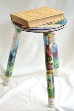 Add a touch of vintage magic to your childs room! ONE ONLY! Vintage Pinocchio Reading Stool - 63 year old source. Can you spot the teeny tiny Jiminy silhouette hiding on each of the legs? Designed and crafted for your home from the 1953 Big Golden Book ed. Walt Disneys Pinocchio - Fletcher; Dempster; Collodi; Walt Disney Productions. Approximate measurements: 38cm high x 36cm wide. Seat diameter: 26cm. Max. load 50kg. Legs can simply unscrew and reassemble for shipping. Finished with…