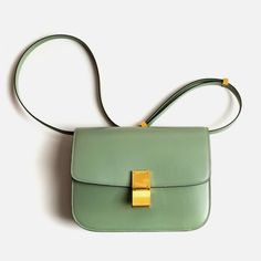 Celine medium flap bag in mint! Green Purse, Mint Purse, Mint Bag, Celine Bag, Beautiful Bags, Fashion Bags, Fashion Fashion, Fashion Handbags, Runway Fashion