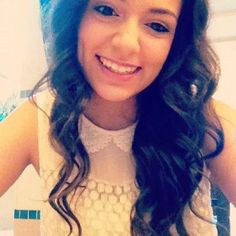 Bethany Mota: http://www.youtube.com/user/Macbarbie07